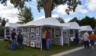 Mundelein Fine Arts Festival at Kracklauer Park